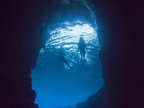 GoToトラベルキャンペーン割引対象 【◆青の洞窟シュノーケル◆】幻想的な世界、シュノーケルツアー(青の洞窟)ご招待<2泊~>
