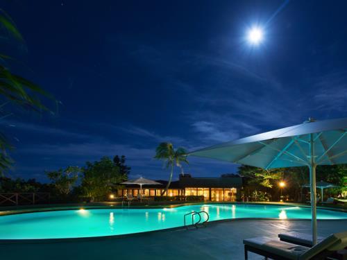 GoToトラベルキャンペーン割引対象【プールサイドディナー】夜景を見ながら美食・健康をテーマにしたディナーを堪能<2食付>